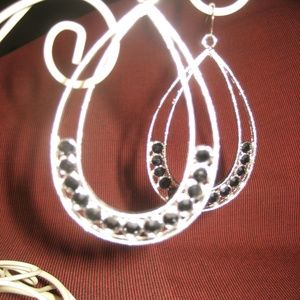 Sassy Silver Drop earrings with Black stones NWOT